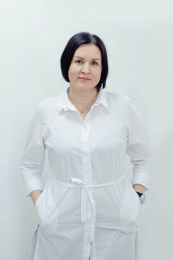 """Врач стоматологической клиники """"Карат"""" в Казани Рашидова Роза Вагизовна"""